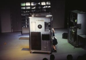 Dimensions of a Dialogue. Barbara Duijfjes. Regie: Michael Helmerhorst. 1998.