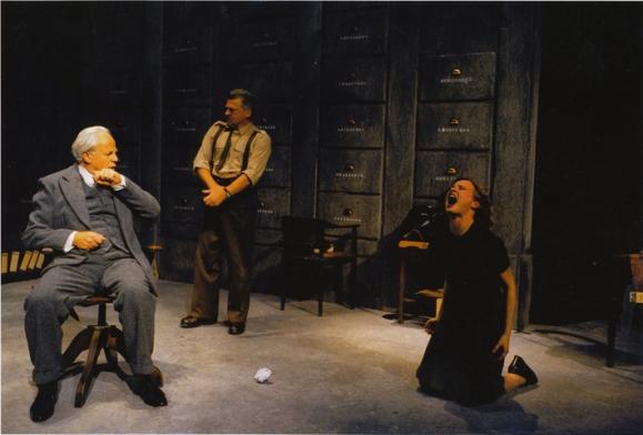 Het Verhoor. Regie Lodewijk de Boer. 2001.